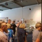 2019-04-20 Bezoekers tijdens de opening van de expositie Zorg in Tegelen
